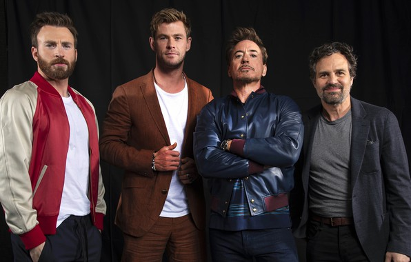 Picture avengers, Chris Hemsworth, Chris Evans, Mark Ruffalo, Robert Downey