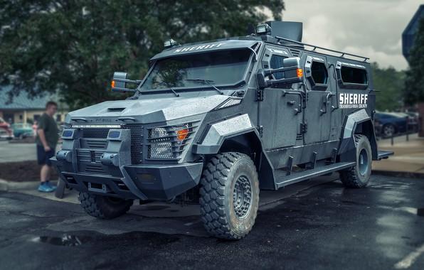 Picture machine, truck, SWAT
