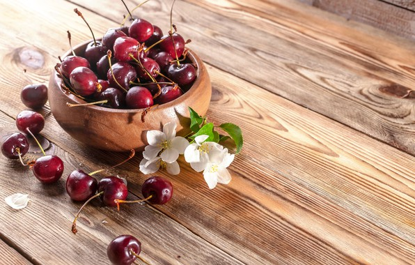 Picture wood, cherry, ripe