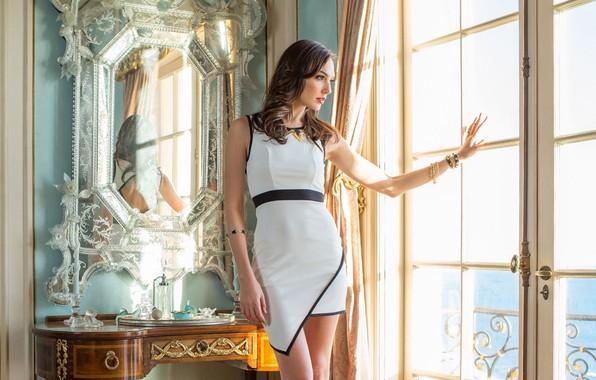 Picture girl, pose, portrait, figure, dress, mirror, window, beautiful, Gal Gadot