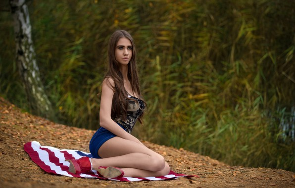 Picture sexy, pose, model, shorts, makeup, Mike, figure, hairstyle, shoes, brown hair, sitting, photoshoot, nature, Milan …