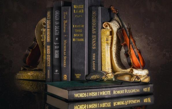 Picture violin, books, still life
