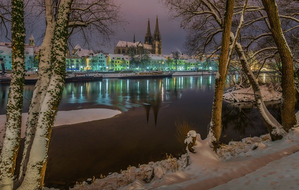 Picture winter, snow, trees, the city, river, building, home, the evening, Germany, Bayern, lighting, tower, Regensburg, …