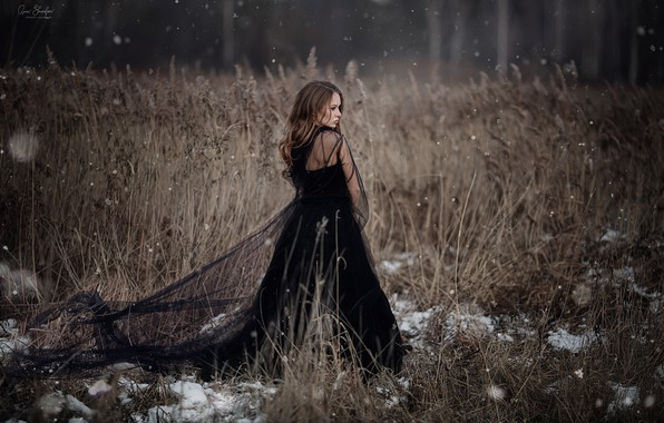 Picture girl, snow, black dress, Anna Shuvalova