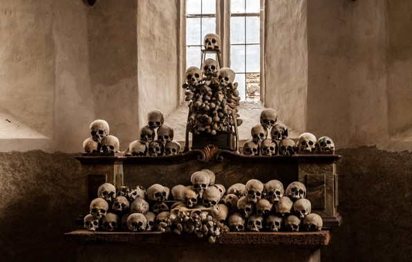 Picture skull, religion, the altar
