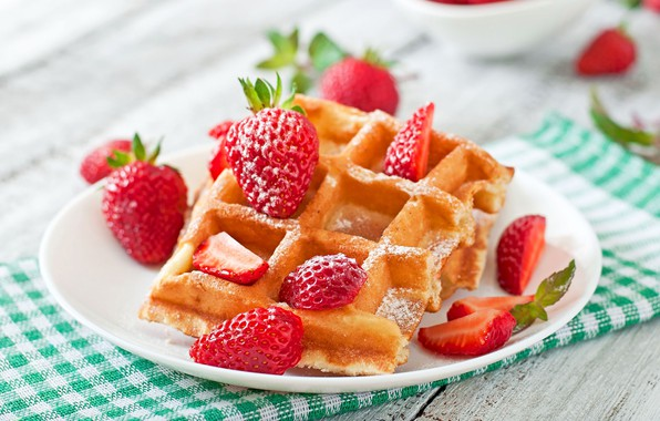 Picture berries, strawberry, dessert, wood, waffles, cakes, napkin, strawberry, cakes, dessert, berries, waffles