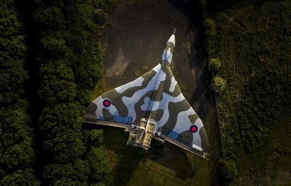 Picture weapons, the plane, vulcan
