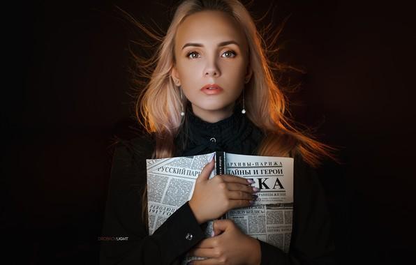 Picture look, girl, face, hair, portrait, hands, makeup, book, manicure, the dark background, Alexander Drobkov-Light, Anastasia …
