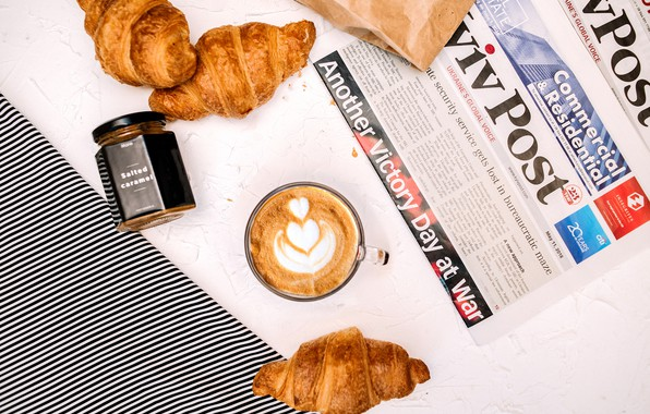 Picture strips, coffee, newspaper, caramel, croissant, croissants, predmeta