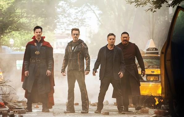 Picture Benedict Cumberbatch, Mark Ruffalo, Tony Stark, Robert Downey, Doctor Strange, Bruce Banner, Avengers Infinity