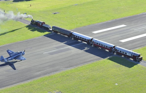 Picture The engine, New Zealand, Train, Grumman, Runway, Avenger, Navy, Air force fleet, The Gisborne Airport, …