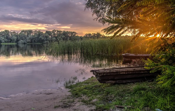 Picture lake, boats, morning