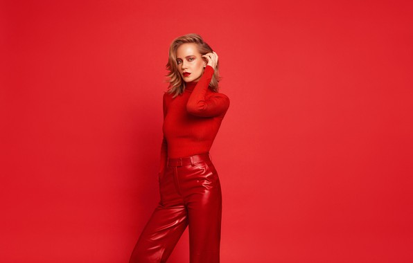 Picture look, pose, makeup, figure, actress, singer, hair, Natalia Ionova, Glucose, Gluk'oza, the background is red