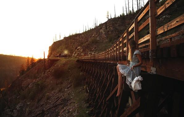 Picture girl, bridge, train