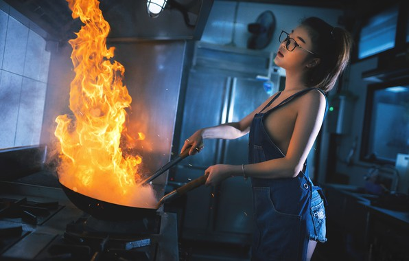Picture girl, fire, kitchen