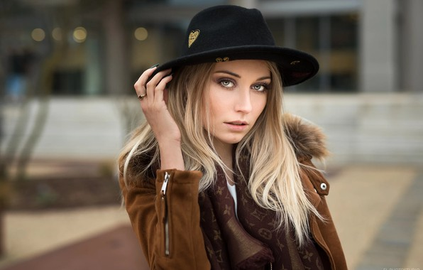 Picture look, Girl, hat, Lods Franck