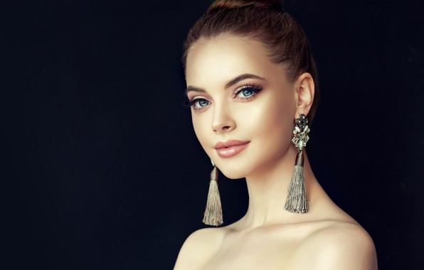 Picture look, girl, face, style, portrait, beauty, earrings, makeup, hairstyle, girl, Beautiful, style, model, manicure, luxurious