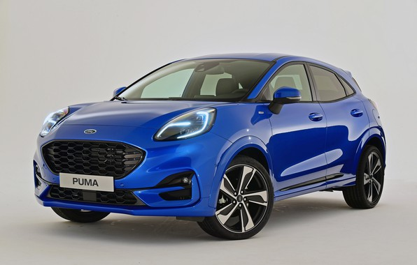 Picture cars, blue, puma st line, ford puma 2020