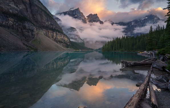 Picture clouds, mountains, lake
