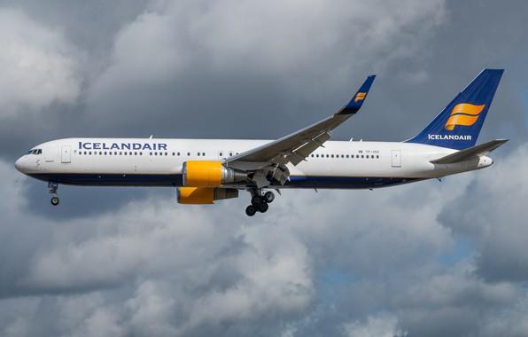 Picture Boeing, Icelandair, 767-300W