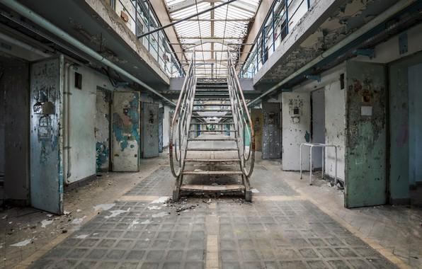 Picture ladder, camera, prison