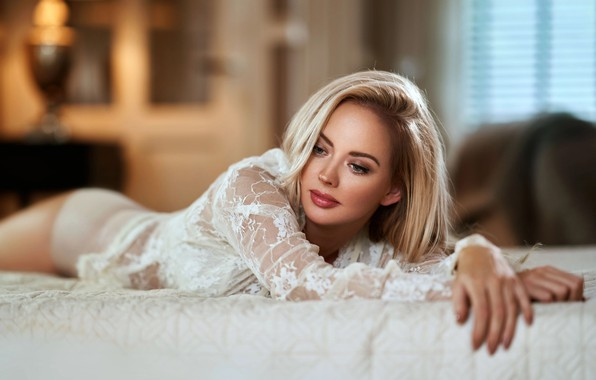 Picture look, girl, room, bed, makeup, blonde, blouse, Maarten Quaadvliet, guipure