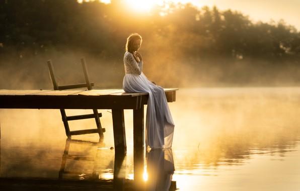 Picture girl, bridge, fog, lake