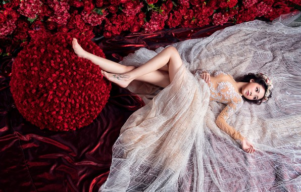 Photo wallpaper girl, flowers, red, pose, white, silk, dress, red, fabric, lies, Asian, beautiful, the bride, wedding, ...