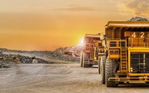 Picture trucks, mine, mining