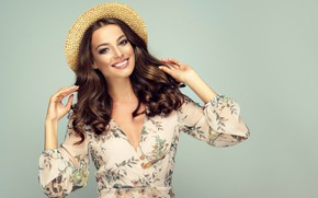 Picture model, Look, makeup, Smile, Hair, Hands, Hat, Brown hair, curls, Hairstyle, Sofia Zhuravets'