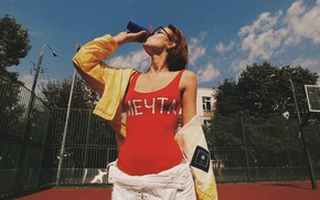 Picture girl, yard, red, Playground, drinking, Inga Lis, Rome Rome