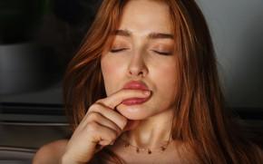 Picture red, pornographic actress, Jia Lissa, Gia Lissa, губы для поцелуев, росийская модель, Юлия Чиркова, пальчик …