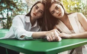 Picture girls, sisters, Nikita Tarasov, Anastasia Kozlova, Masha Kozlova