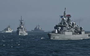 Picture sea, ships, exercises