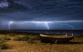 Picture sea, the storm, beach, the sky, clouds, coast, zipper, boat, the evening, horizon, UK, Eastbourne …