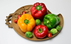 Picture pepper, vegetables, tomatoes, cabbage, pepper, carved plate