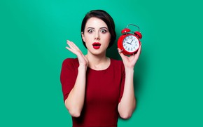 Picture look, girl, pose, background, watch, the situation, surprise, makeup, dress, brunette, alarm clock, hairstyle, green, …