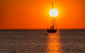 Picture the sun, sunset, yacht