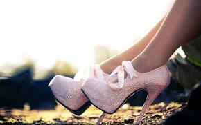 Picture female, heels, feet