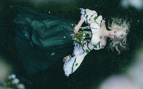 Picture BLONDE, LEAVES, DRESS, FLOWERS, BOUQUET, CORSET