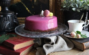 Picture books, roses, cake, glaze, macaroon