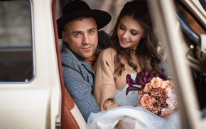 Picture machine, girl, flowers, bouquet, hat, brown hair, guy, car, the bride, wedding, curls, the groom, …