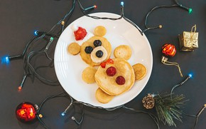 Picture creative, holiday, balls, toys, new year, berry, plate, bear, garland, bump, pancakes