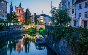 Picture bridge, the city, river, boat, building, home, the evening, lighting, lights, Church, Slovenia, Ljubljana
