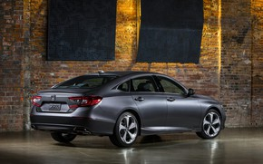 Picture back, Honda, Accord, sedan, side, 2018, Touring, 2.0T, four-door, dark gray