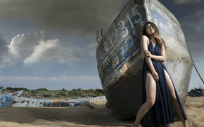 Picture girl, shore, boat, Asian