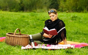 Picture greens, grass, girl, trees, pose, basket, glade, makeup, glasses, hairstyle, Cup, book, brown hair, picnic, …