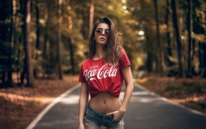 Picture forest, trees, nature, sexy, pose, Park, model, shorts, makeup, Mike, figure, glasses, hairstyle, brown hair, …