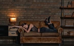 Picture on the couch, photoshoot, Disha Shemetova, Sergei Vasiliev