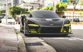Picture sports car, front view, McLaren Senna
